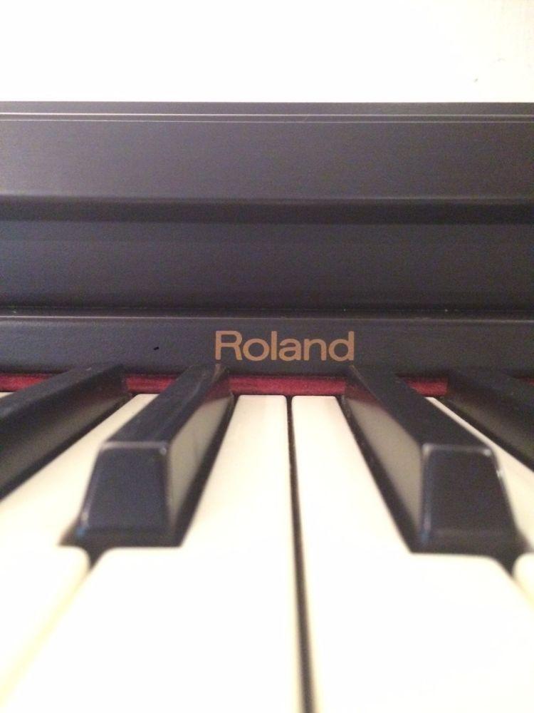 piano-electronico-digital-roland-hp-1300e-D_NQ_NP_923160-MLA27177340933_042018-F