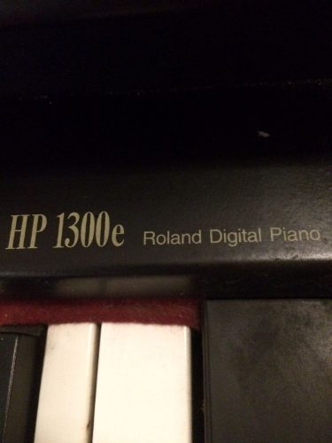 piano-electronico-digital-roland-hp-1300e-D_NQ_NP_884241-MLA27177340935_042018-F