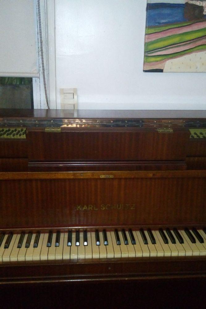piano karl schutz madera1