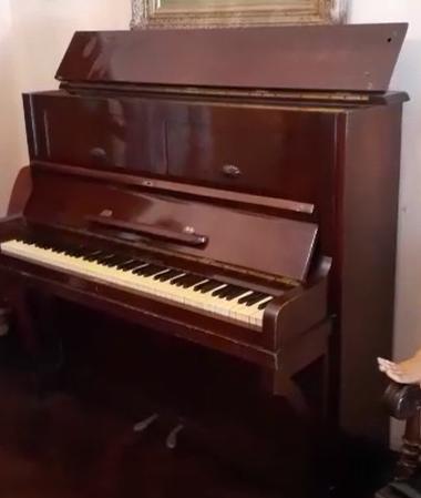 PIANO ENTERO